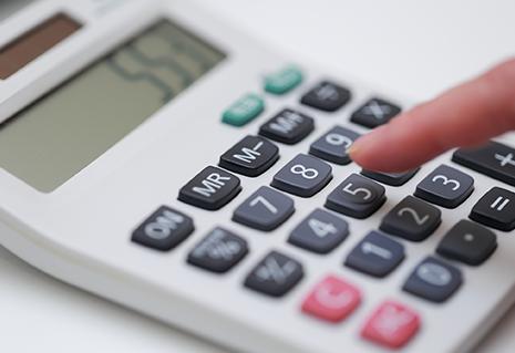 年1回の税金の申告に向けて事前に節税対策等をご提案します